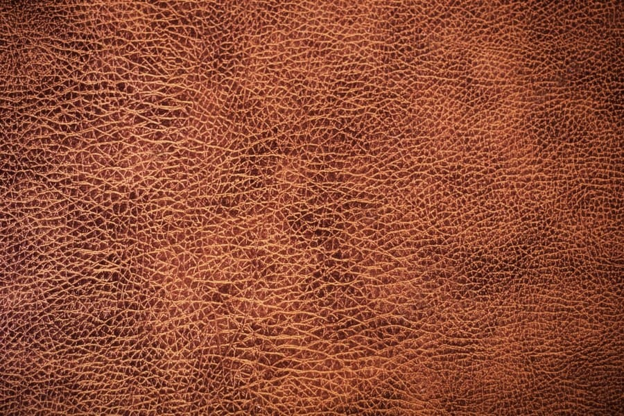 Как отличить натуральную кожу от кожзама