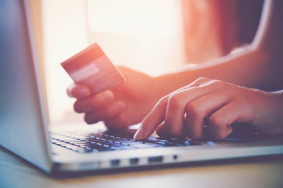 Проблема выбора: как купить идеальную вещь в интернете
