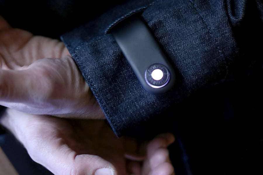 «Умная» куртка: высокие технологии «дошли» до одежды