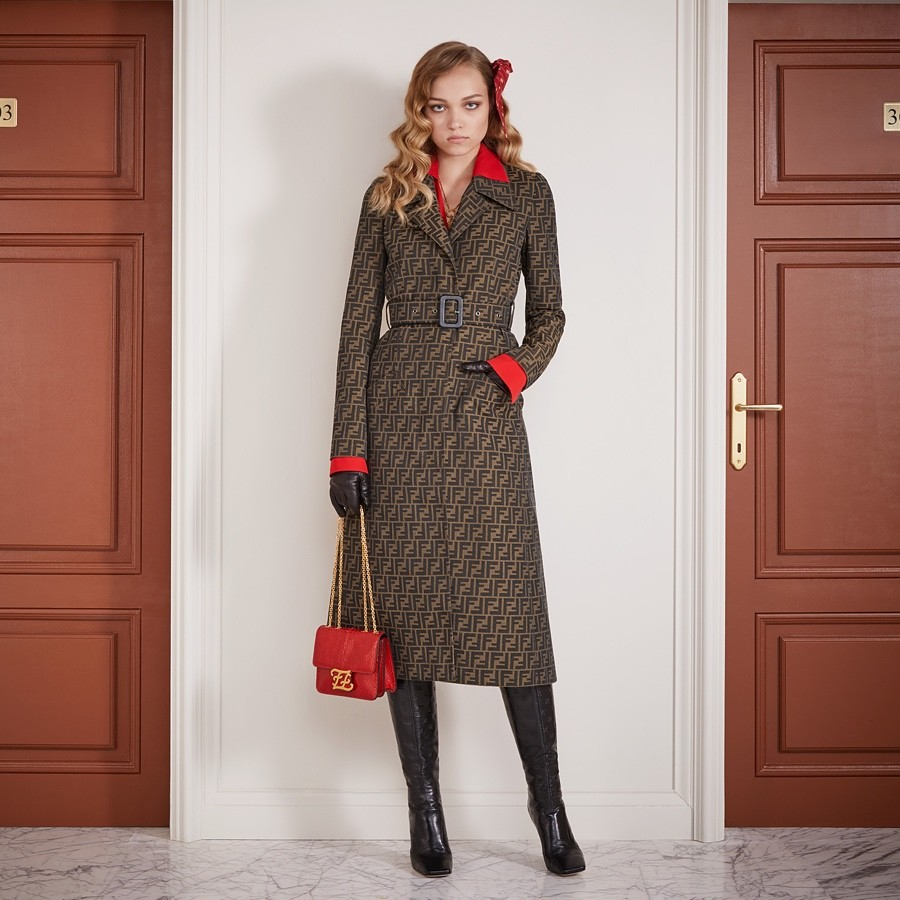 Плюсы и минусы пальто для женщин